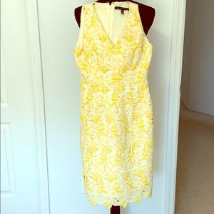 Stunning, yellow eyelet evening, party dress 👗
